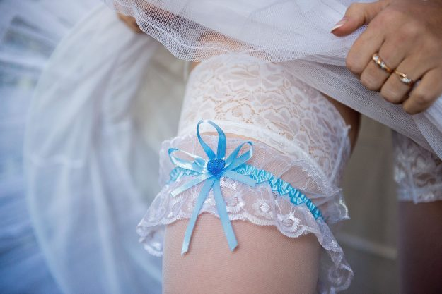1056314_Wedding_tradition_garter_c28921a7ed620ed764ac090341745314